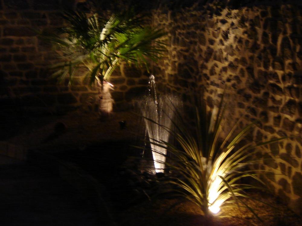Geyser avec éclairage
